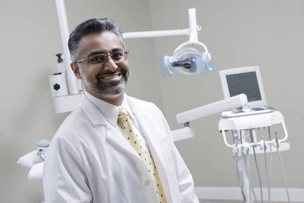 Choosing The Right Cosmetic Dentist For You