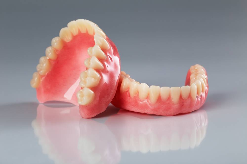 Denture Wearers are Turning to Dental Implants